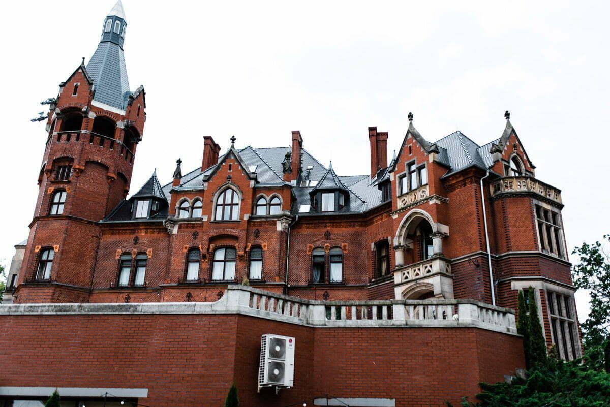 Pałac Wąsowo widoczny w całości
